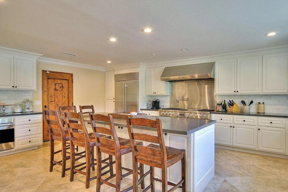 Kitchen E1